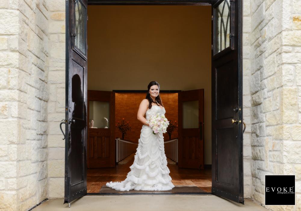 Bridal Portrait at Briscoe Manor