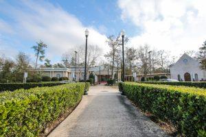 Walkway to Ashton Gardens