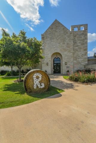 A Texas wedding needs bails of hay